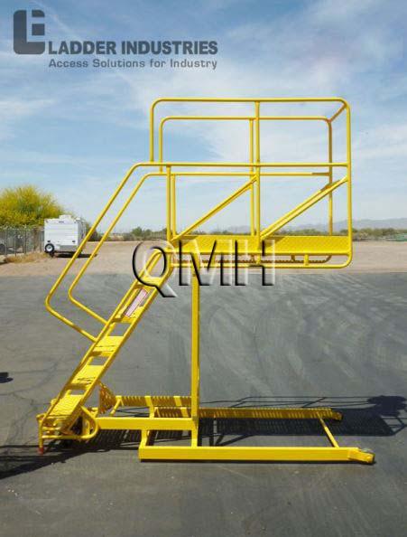 Warehouse Platform Ladders Amp Rolling Ladders Qmh Inc